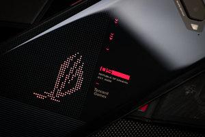 颜值与实力并存的电竞旗舰 腾讯ROG游戏手机5图赏