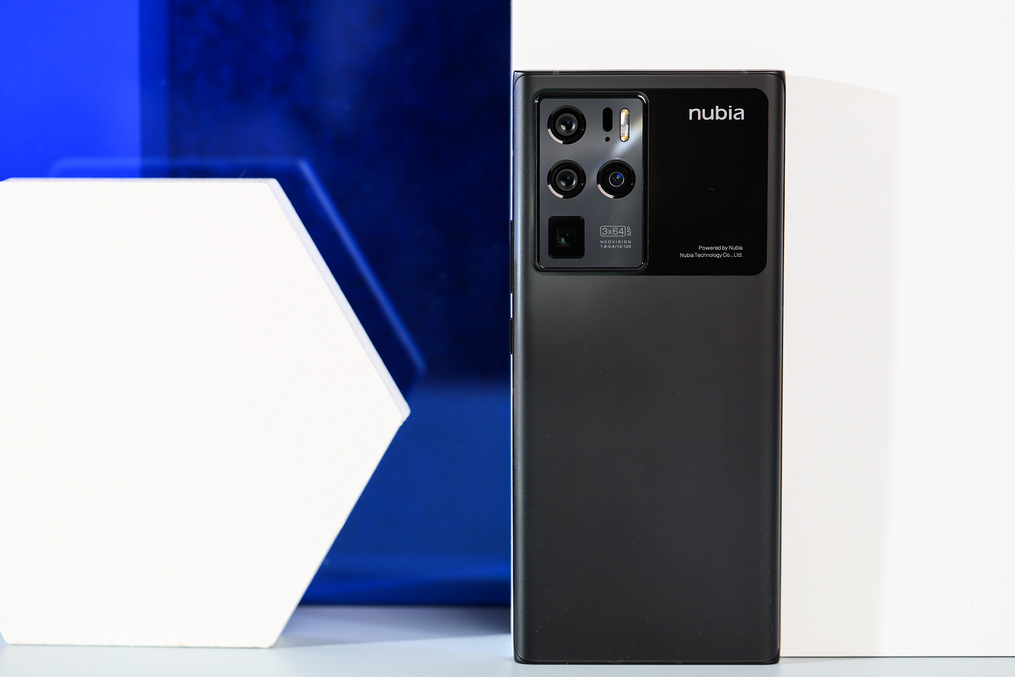 一键拍出美丽星空 努比亚Z30 Pro评测
